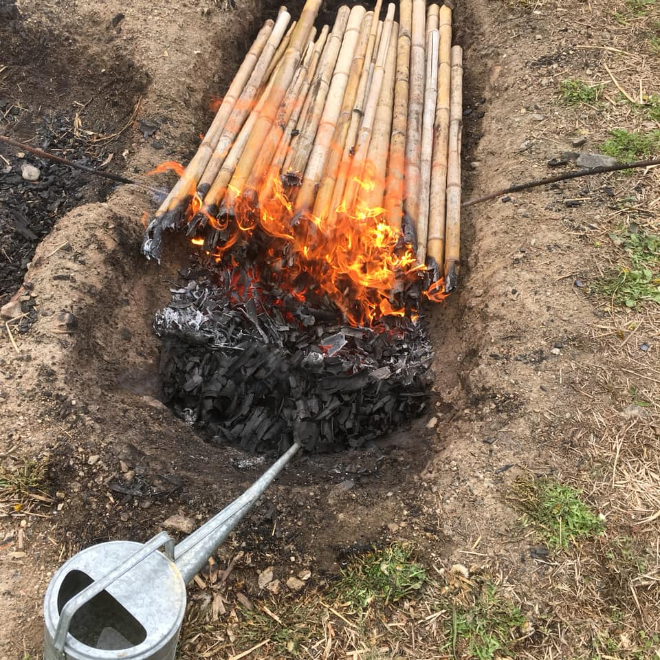 「竹炭はジョウロ消火がオススメです♪」